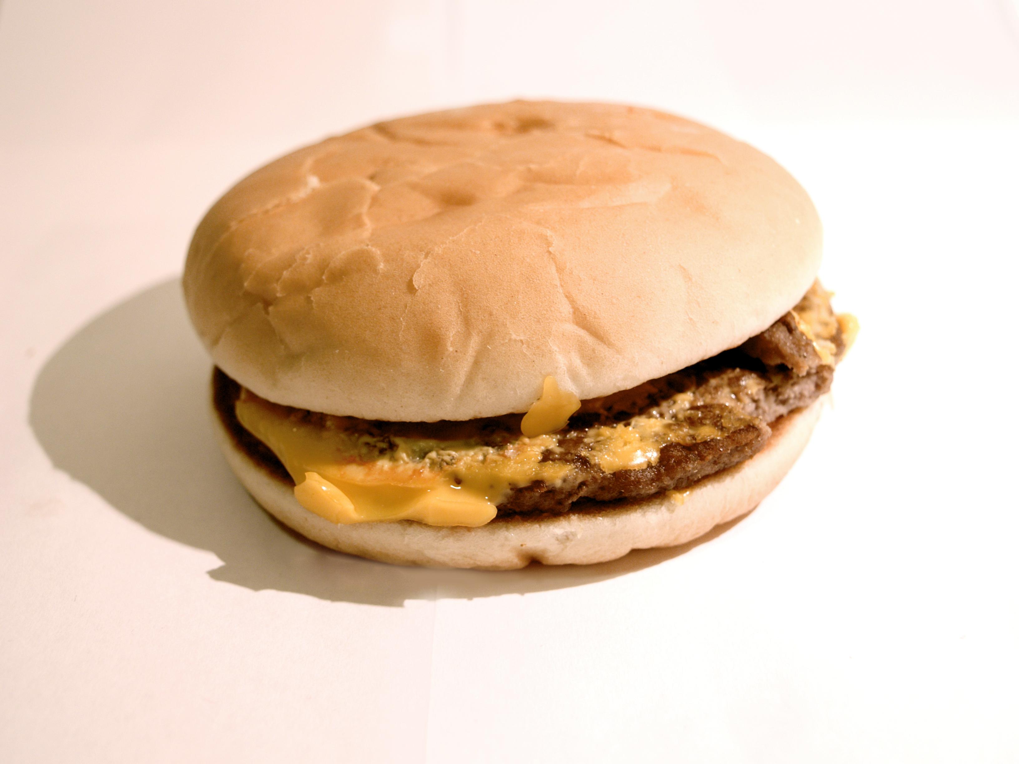 mcdonald�s cheeseburger meal sp photography